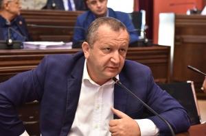 """დავით ჭიჭინაძემ """"ქართული ოცნება"""" დატოვა"""