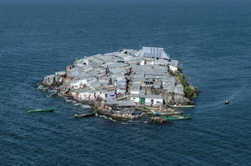 ცხოვრება უმცირეს აფრიკულ კუნძულზე