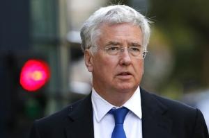სექსუალური შევიწროების ბრალდების გამო ბრიტანეთის თავდაცვის მინისტრი გადადგა