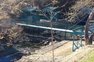დაჯარიმების მიუხედავად რესტორნის მფლობელს მდინარე ალგეთი ისევ ჩახერგილი ჰქონდა