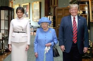 დონალდ ტრამპისა და ელისაბედ II-ის შეხვედრა [Photo]