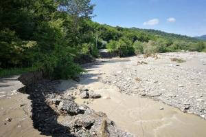 ძლიერი წვიმის გამო სოფელი ჭერემი გზისა და ელექტროენერგიის გარეშე დარჩა