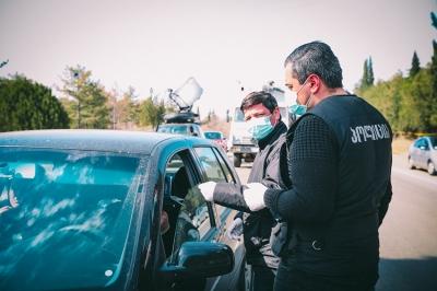 ბოლო 24 საათში პოლიციამ 3000 ლარით 705 პირი დააჯარიმა